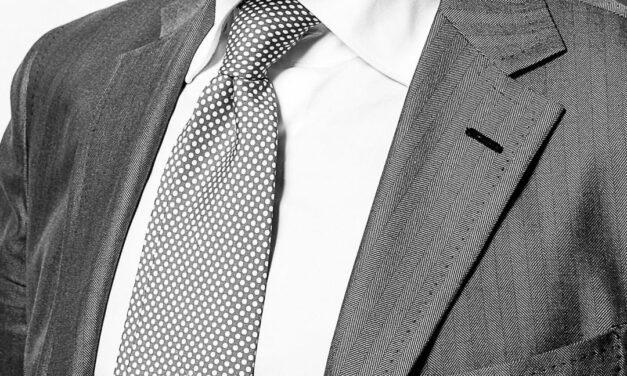 Mai più senza: il rilancio della cravatta